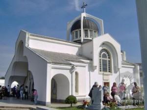 """храмът """"Света Петка Българска"""""""