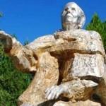 Паметникът на Ванга, послучай 100-годишнината от рождението й